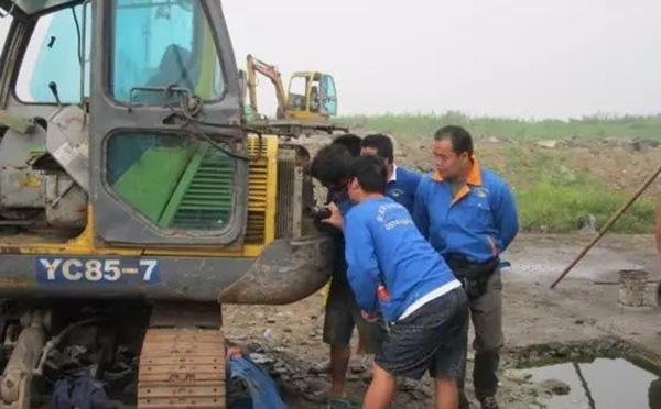 挖掘机如何保养